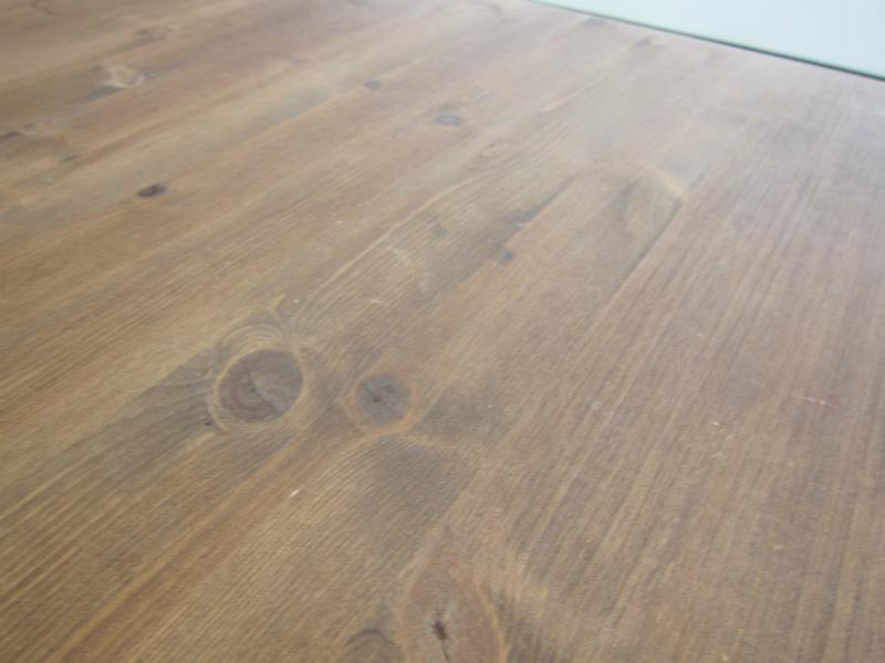 マウスを使う際の木製テーブル